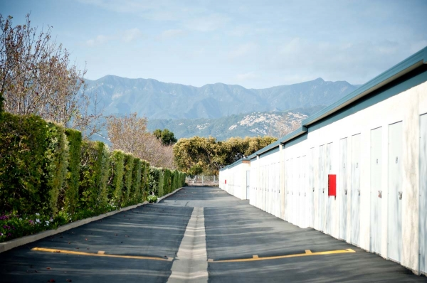 The Carpinteria Storage Place - Photo 0