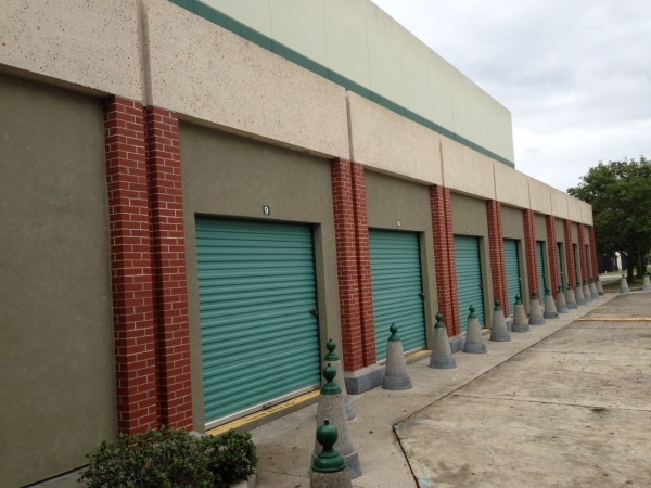 Fort Knox Climate Controlled Self Storage Complex - Photo 4