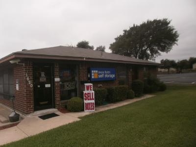 Uncle Bob's Self Storage - Arlington - 1620 E Lamar Blvd - Photo 1