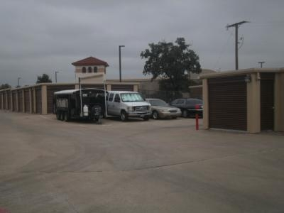 Uncle Bob's Self Storage - Arlington - 1620 E Lamar Blvd - Photo 3