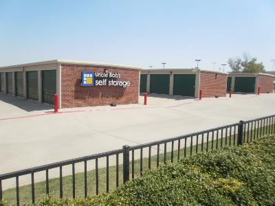 Uncle Bob's Self Storage - Plano - 4005 W Plano Pky - Photo 6