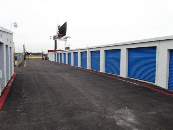 Hwy 30 Self Storage - Photo 12