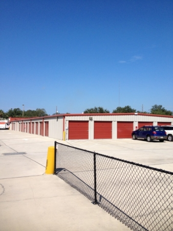 United Self Mini Storage - Tarpon Springs - Photo 1