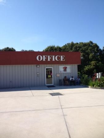 United Self Mini Storage - Tarpon Springs - Photo 4