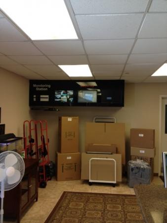 United Self Mini Storage - Tarpon Springs - Photo 6