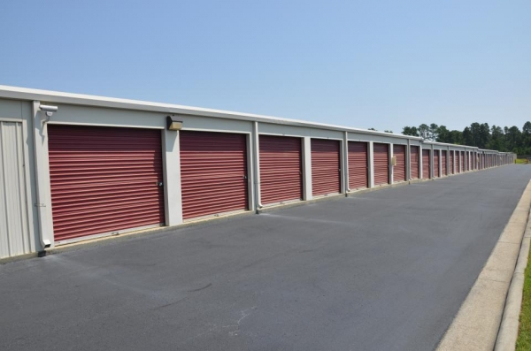 SecurCare Self Storage - Fayetteville - Rim Rd - Photo 4