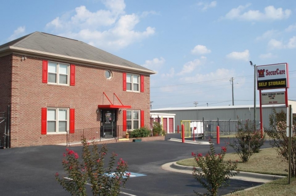 SecurCare Self Storage - Fayetteville - Rim Rd - Photo 1