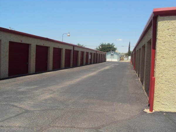 SecurCare Self Storage - El Paso - Will Ruth Ave. - Photo 3