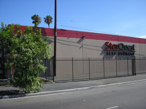 StorQuest Self Storage - Los Angeles - Photo 2