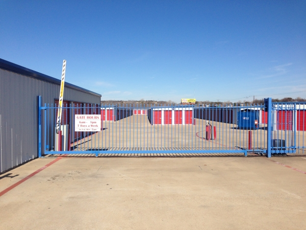 American Mini Storage - Arlington - Photo 5