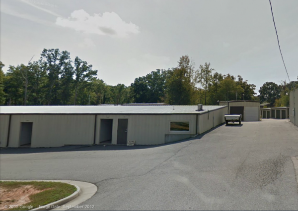 Econo Storage - Riverside Drive - Photo 2