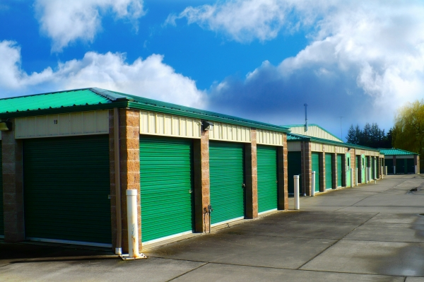 Burlington Storage - Photo 3