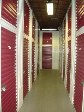 Longwood Storage Company - Photo 1