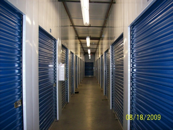 US Storage Centers - Stanton - Photo 4