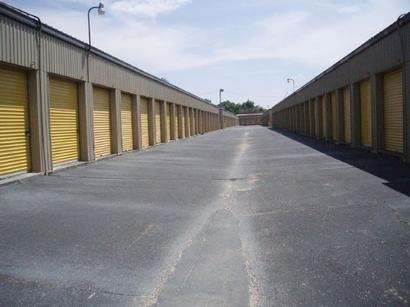Uncle Bob's Self Storage - Pensacola - 195 E Fairfield Dr - Photo 4
