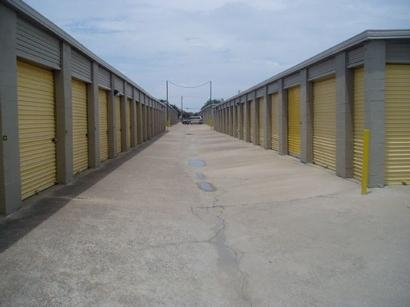 Uncle Bob's Self Storage - Arlington - Duncan Perry Rd - Photo 2