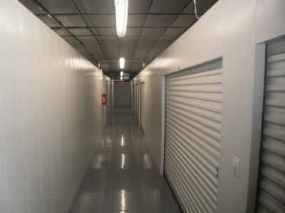 Uncle Bob's Self Storage - Arlington - Duncan Perry Rd - Photo 8