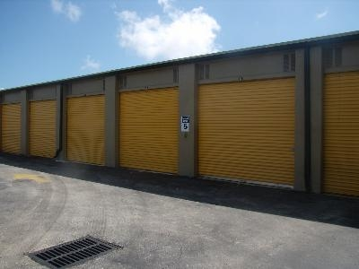 Uncle Bob's Self Storage - Delray Beach - 1099 S Congress Ave - Photo 4