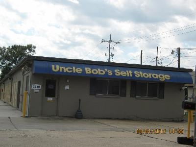 Uncle Bob's Self Storage - Lafayette - 2310 W Pinhook Rd - Photo 1