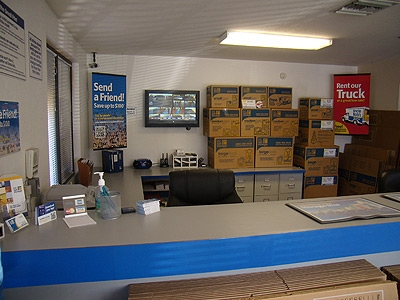 Uncle Bob's Self Storage - Mesa - 139 N Greenfield Rd - Photo 3