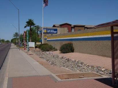 Uncle Bob's Self Storage - Phoenix - E Bell Rd - Photo 1