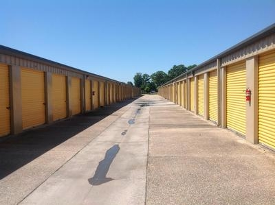 Uncle Bob's Self Storage - Broussard - Photo 3