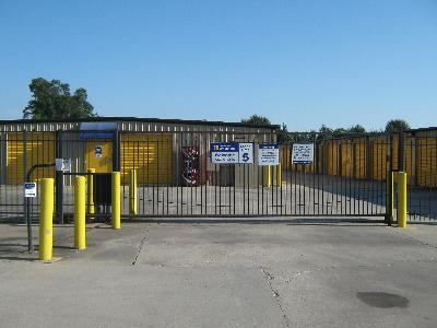 Uncle Bob's Self Storage - Broussard - Photo 8