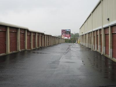Uncle Bob's Self Storage - St Louis - Manchester Ave - Photo 9
