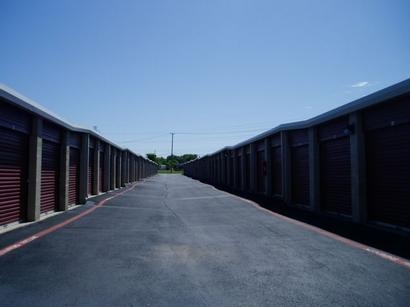 Uncle Bob's Self Storage - Fort Worth - 6050 Granbury Rd - Photo 3