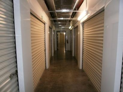 Uncle Bob's Self Storage - Tampa - 1792 W Hillsborough Ave - Photo 5