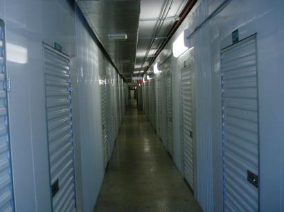 Uncle Bob's Self Storage - Columbus - 851 W Henderson Rd - Photo 4