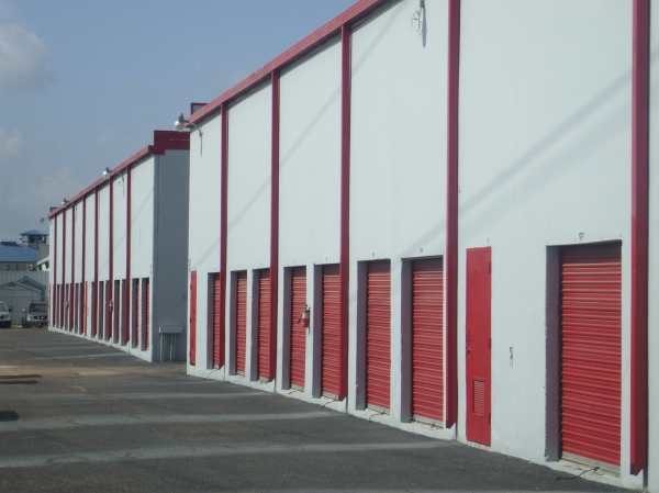 Almeda Self Storage - Photo 3