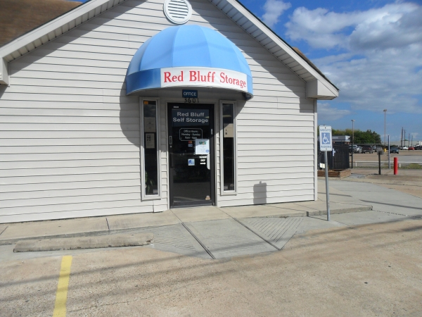 Red Bluff Self Storage - Photo 4