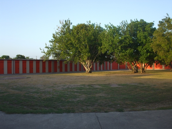 Red Bluff Self Storage - Photo 7