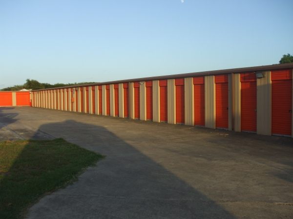 Red Bluff Self Storage - Photo 8