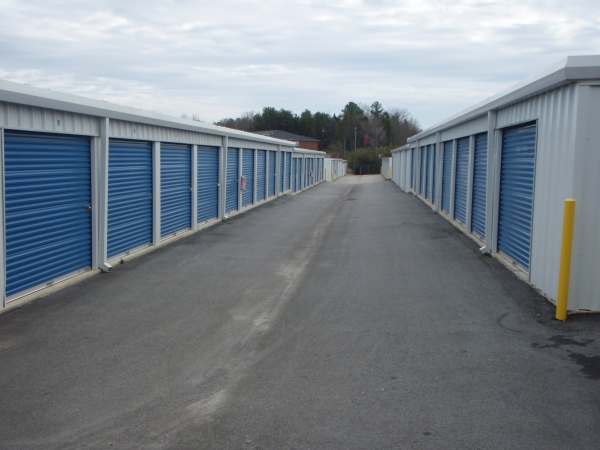 AAA Self Storage - High Point - E Swathmore Ave - Photo 3