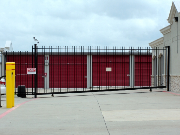 Access Self Storage - Oak Cliff - Photo 2