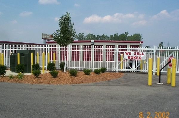 Security Self Storage - West - Photo 2