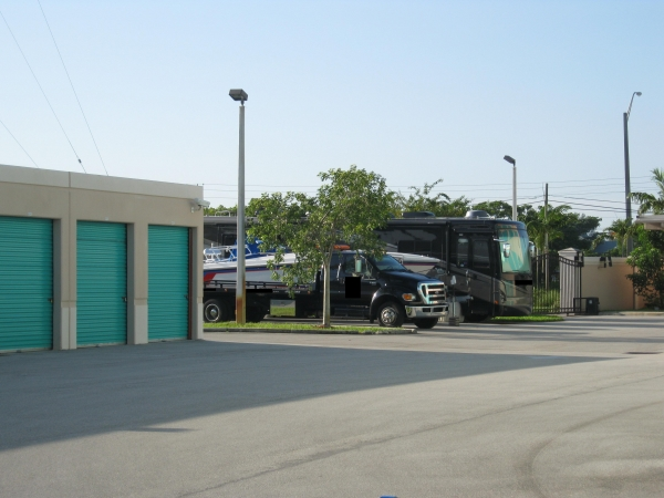 Sunshine Self Storage - Cooper City - Photo 6