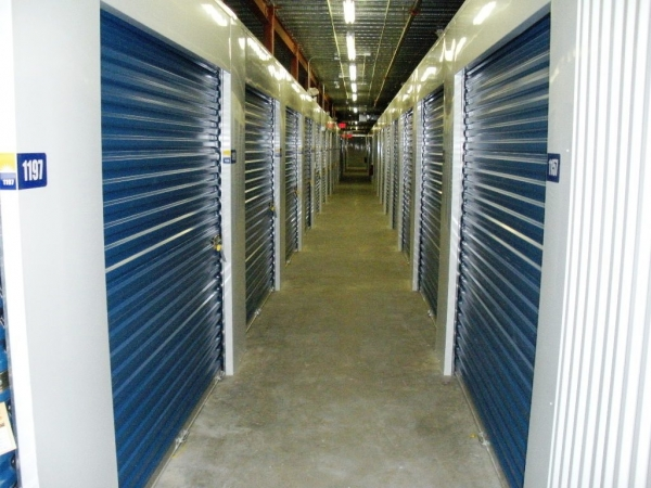 Sunshine Self Storage - Boca - Photo 17
