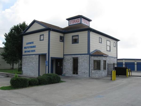 La Porte Self Storage - Photo 1
