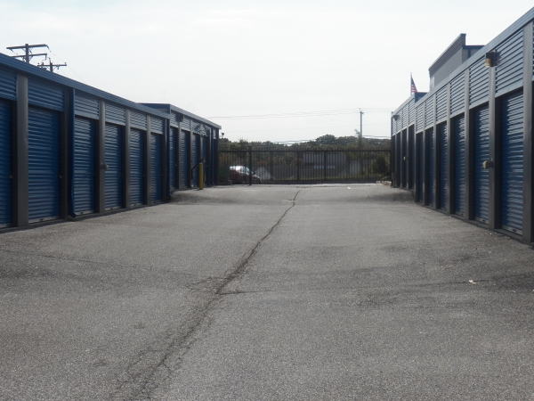 Devon Self Storage - Edgewood - Photo 11