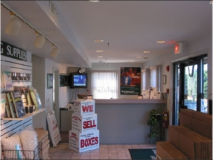 Burlington Self Storage - Burlington - Photo 2
