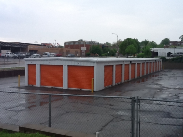 A Storage Inn - Kingshighway - Photo 4