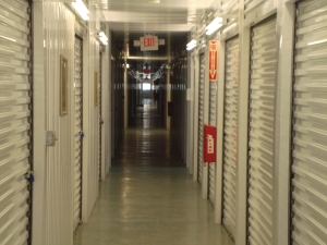 Highpoint Storage - Photo 2
