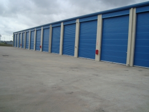 Highpoint Storage - Photo 7
