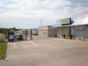 Robinson Rd Self Storage - Photo 2