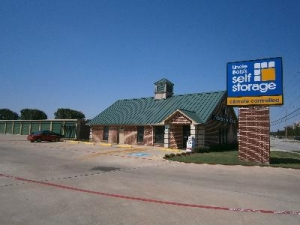 photo of Uncle Bob's Self Storage - Fort Worth - N Beach St