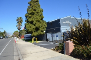 Ayres Self Storage - Costa Mesa - Photo 6