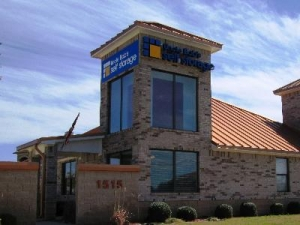 photo of Uncle Bob's Self Storage - Round Rock - 1515 N Aw Grimes Blvd